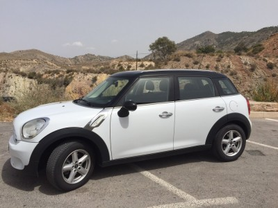 MINI - COUNTRYMAN 1. 6 COOPER D